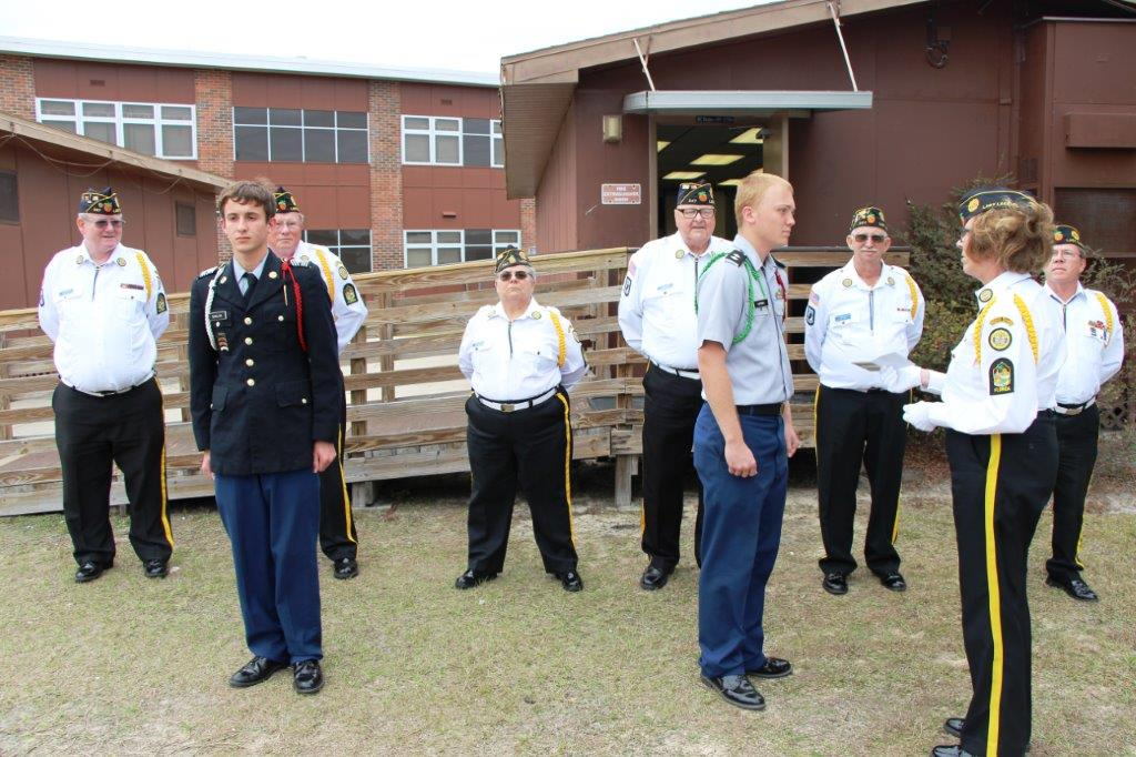 http://www.florida-legion.com/Images/H%20G%20Presentation%20To%20Lake%20Weir%20JROTC%20014.jpg