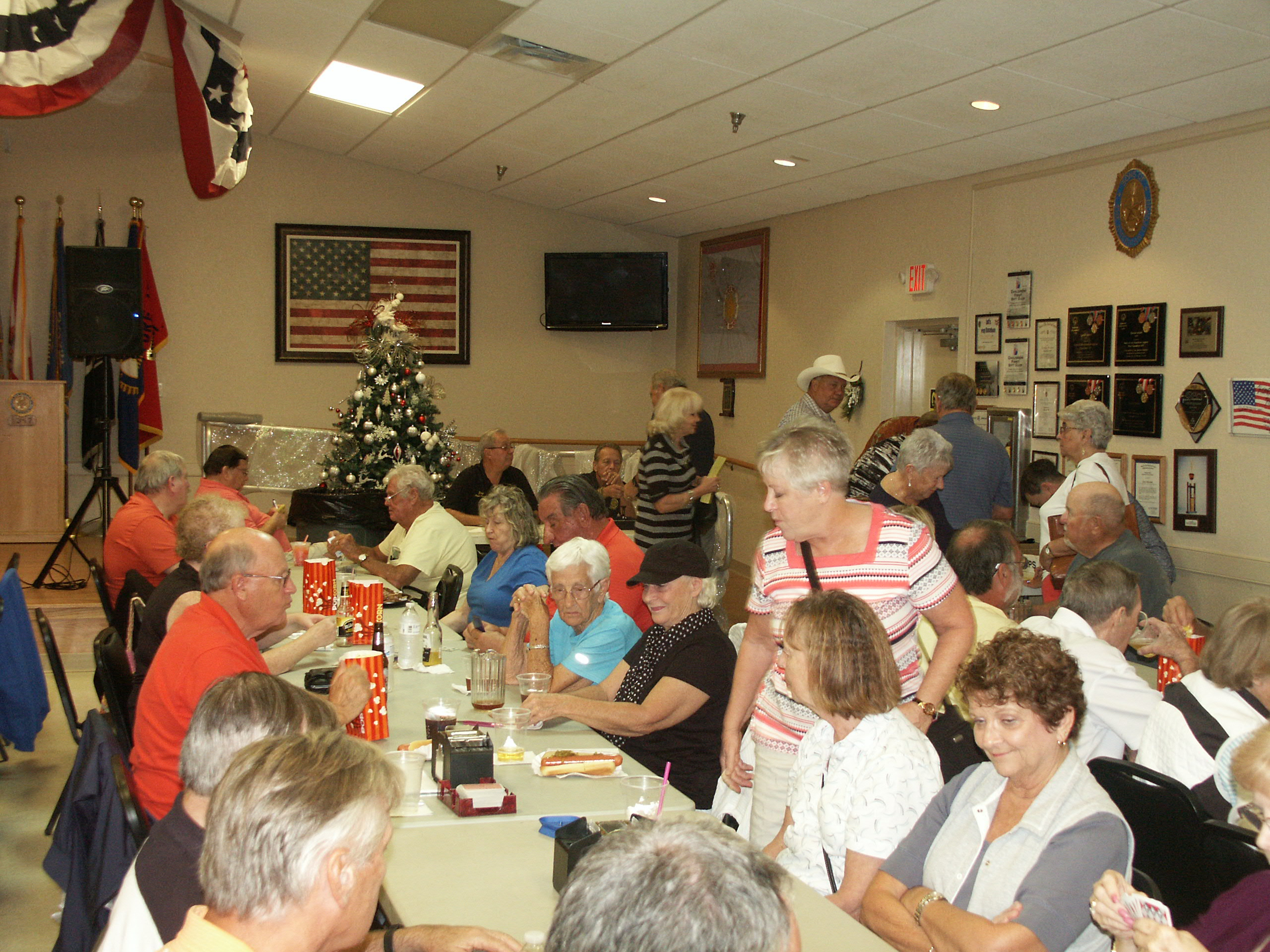 http://www.florida-legion.com/christmas17hall1.JPG